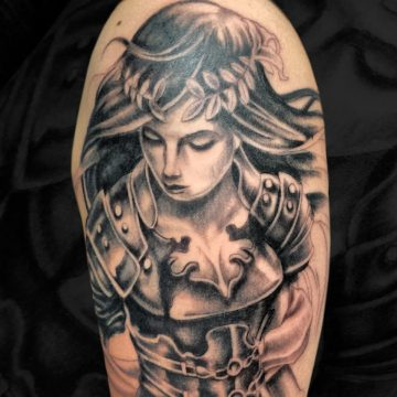 Grayscale-Female-Warrior-Arm-BSpickard