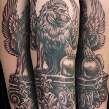 Grayscale-Lion-Statue-Forearm-BSpickard