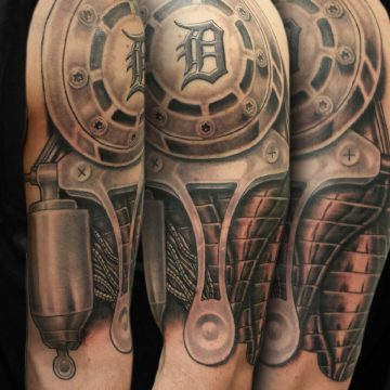 Grayscale-Mechanical-Half-Sleeve-BSpickard