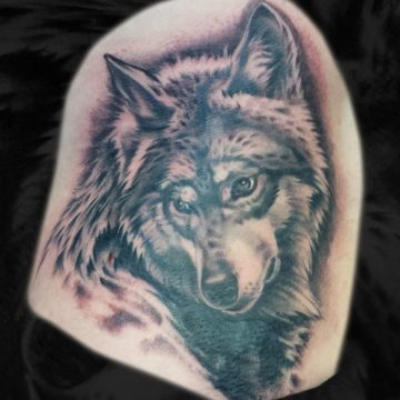 Grayscale-Wolf-Hip-BSpickard