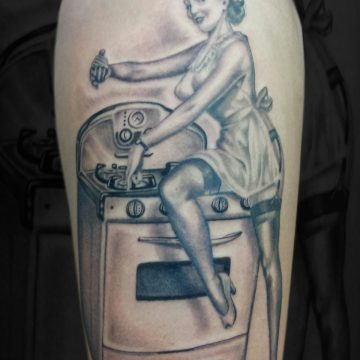Kitchen-Pinup-Thigh-BSpickard