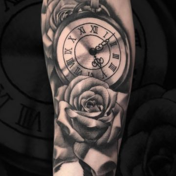 Grayscale-roses-watch-forearm-Aragon